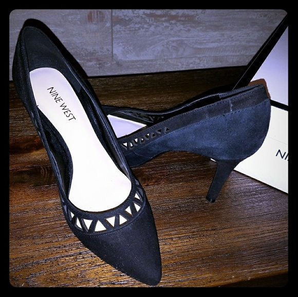 2ac6d4a7c5cd1 ... Pointed Toe Pumps. NWT. Nine West. M_5a9217e5daa8f6e742c232fc.  M_5a92d5722ab8c57999ad2be3. M_5a9217f43316277cb56c497c